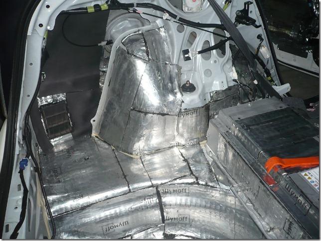 Шумоизоляция и замена музыки в Toyota Prius ZVW30