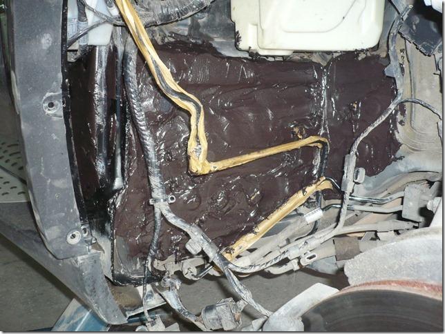 Шумоизоляция колесных арок BMW X5 E70 2009