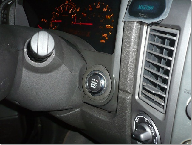 Установка Кнопки Push-to-Start и Parrot MKi9100 на Infinity QX56