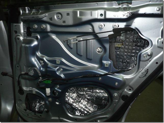 Шумоизоляция и замена музыки Subaru Forester 2006г. SG5