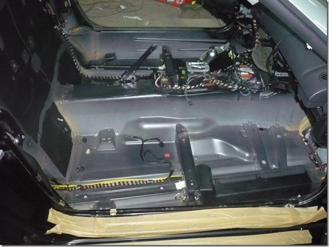 Шумоизоляция и много доработок Chrysler Crossfire 2003