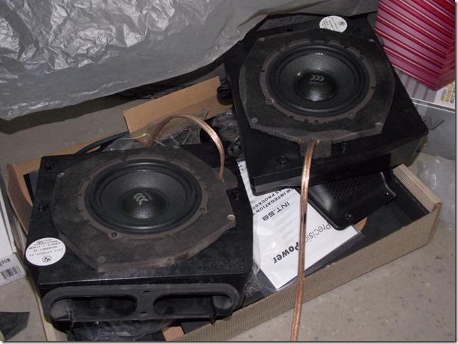 Шумоизоляция дверей и доработка штатной аудиосистемы BMW X3 2008г.