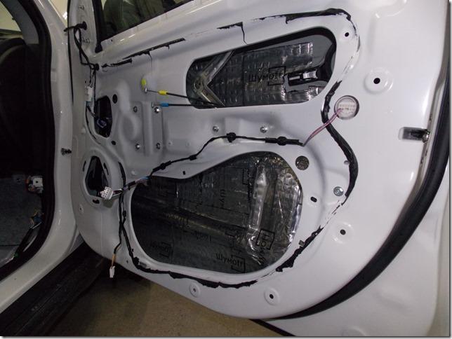 Полная шумоизоляция Citroen C4 Aircross материалами Шумофф