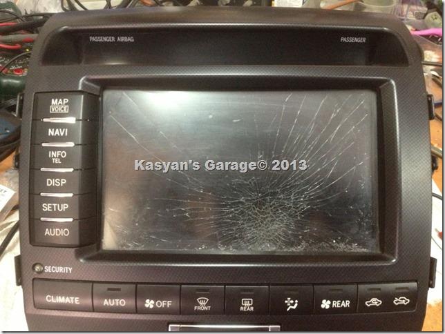 Замена разбитого сенсорного дисплея Toyota Land Cruiser 200 2010г.в.